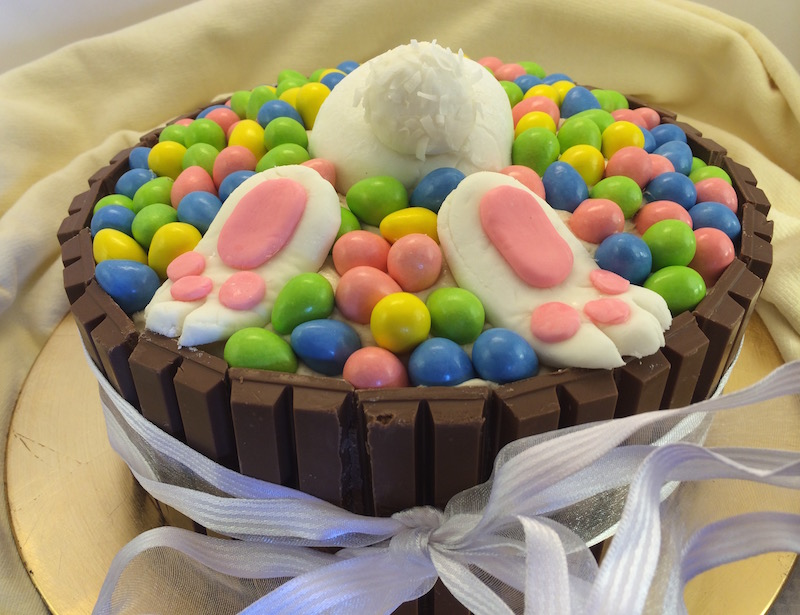 Diving Bunny Pool Cake