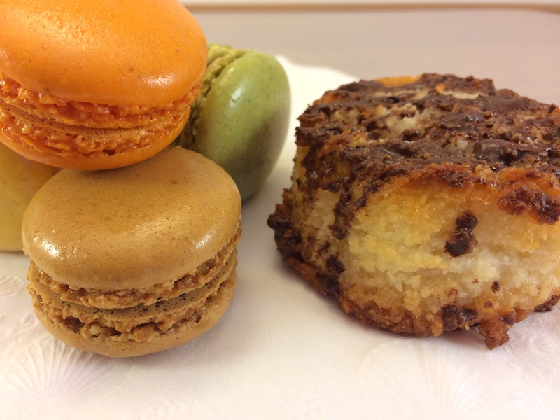 Macaroons vs Macarons